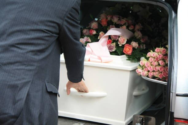 funeral homes in Albertson, NY